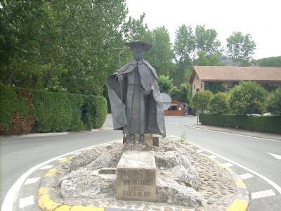 Puente la Reina nevű kisváros/zarándok szobor/