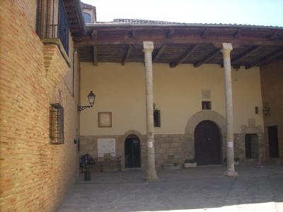 Carrion De Los Condes/Teresa Peález grófnő 1077-ben építette a San Zoilo kolostort.
