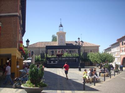 Carrion De Los Condes/a városka főtere,lehet látni hogy ünnepre készül a város