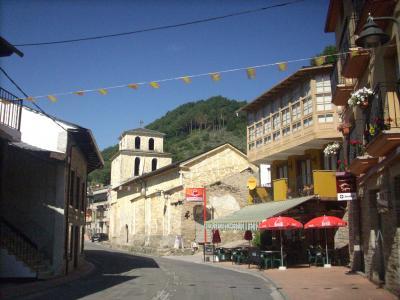 Camino út /Vega De Valcarce település/