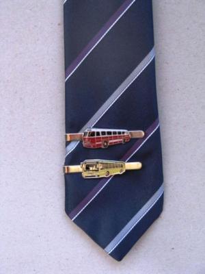 Buszos nyakkendőtűk